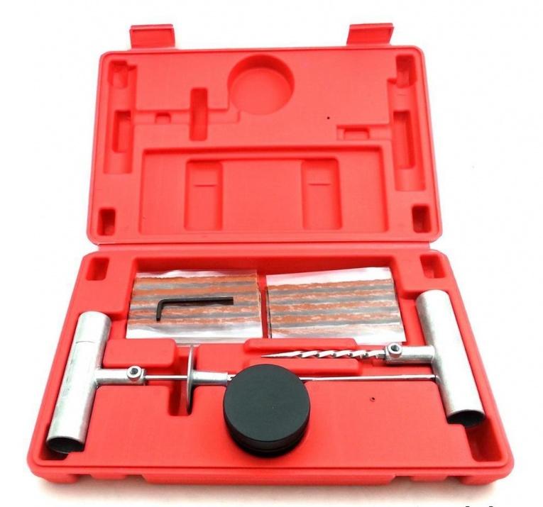 Комплект с инструменти и фитили за поправка на спукани безкамерни гуми