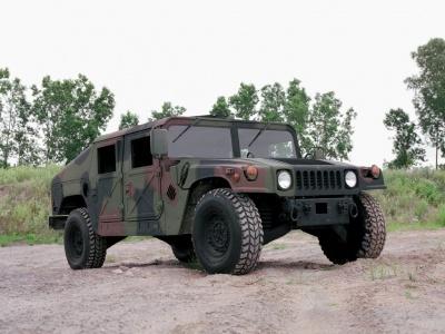 HMMWV (Humvee)